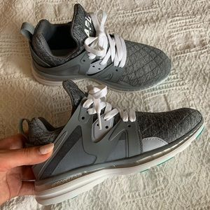 APL Ascend grey athletic runners size 5